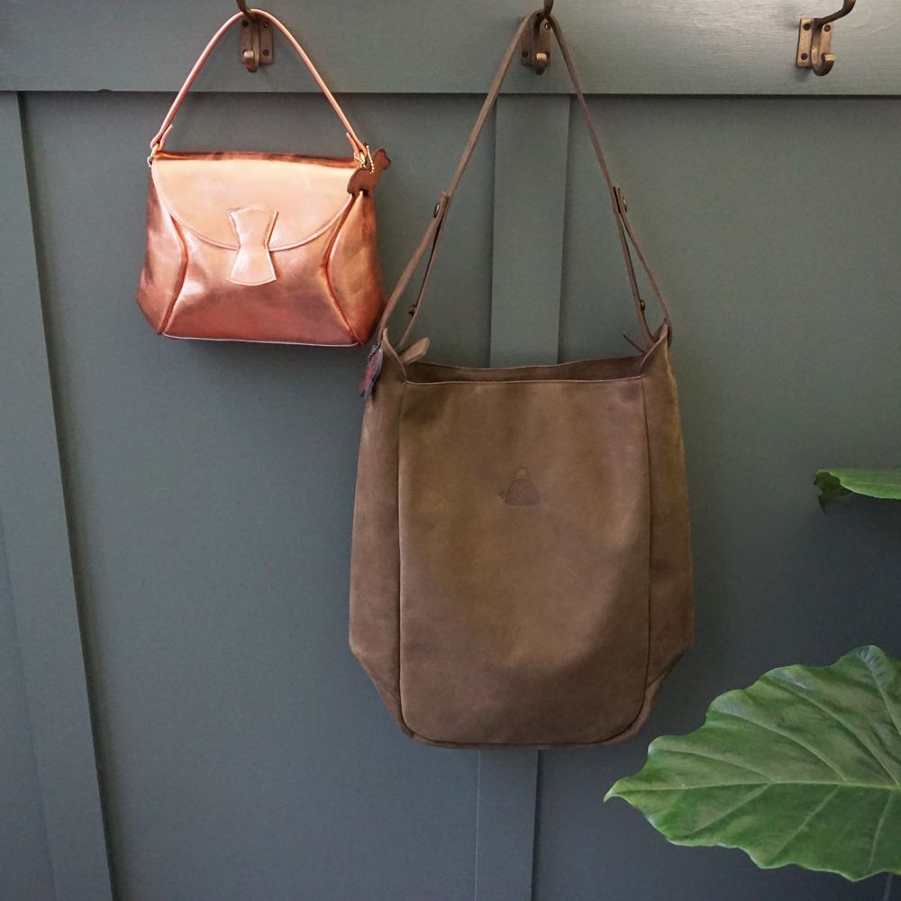 handgemaakt in Utrecht leren tas copper leather and big shopper