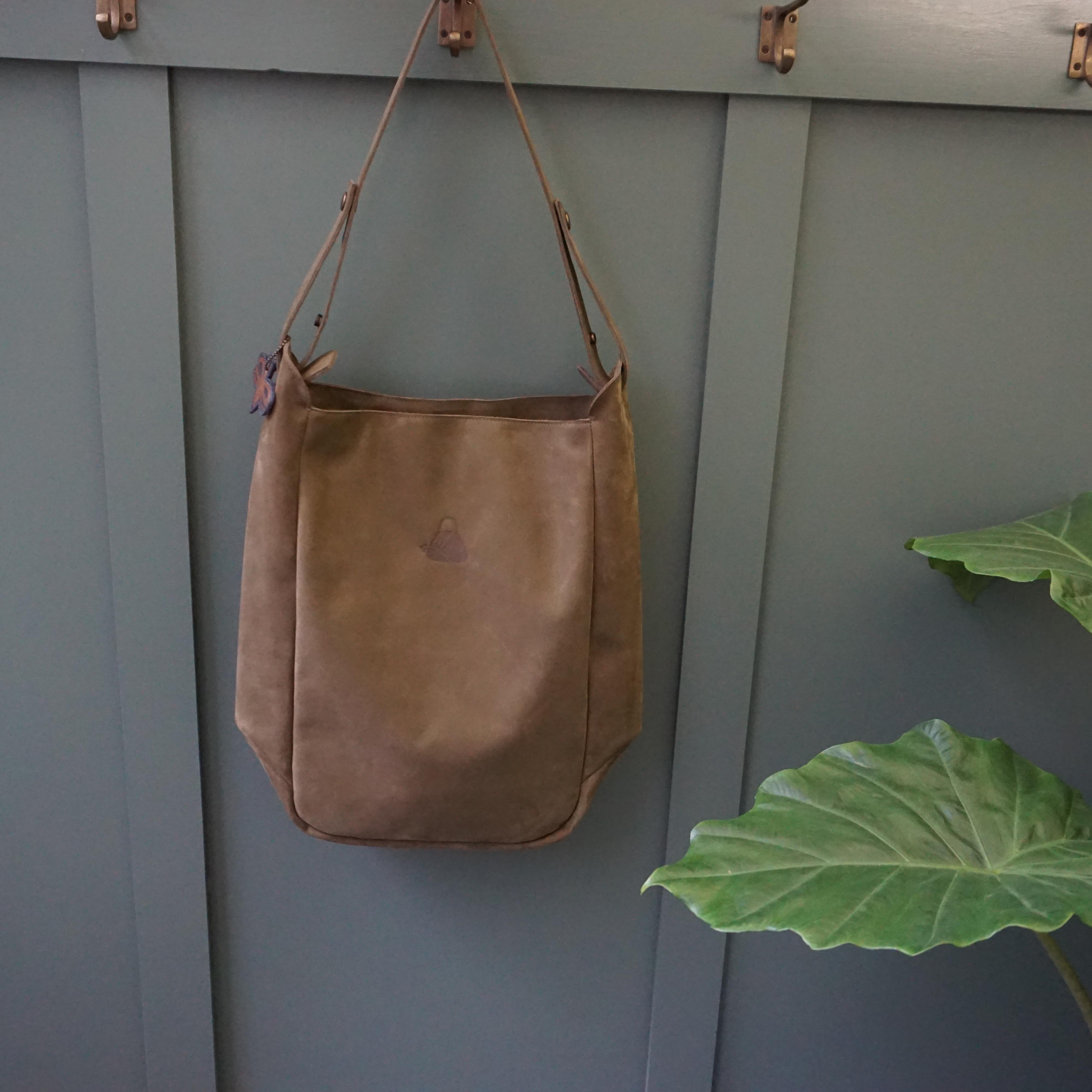 handgemaakte leren tas olijfgroen handgemaakt studio van Leeuwenl